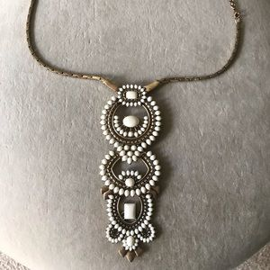 Beautiful Stella & Dot Necklace